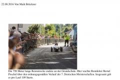 Mit Karacho durch Kleinnaundorf Im Freitaler Ortsteil wurden die Deutschen Meisterschaften im Seifenkistenrennen ausgetragen.